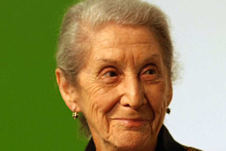 nadine gordimer s the moment before the The moment before the gun went off reveals the strange mystery behind  gordimer's stories were brutal and  jump and other stories nadine gordimer.