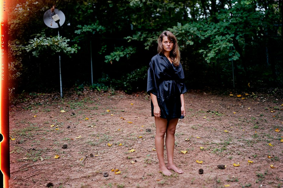   Image from the series Love and War by Guillaume Simoneau