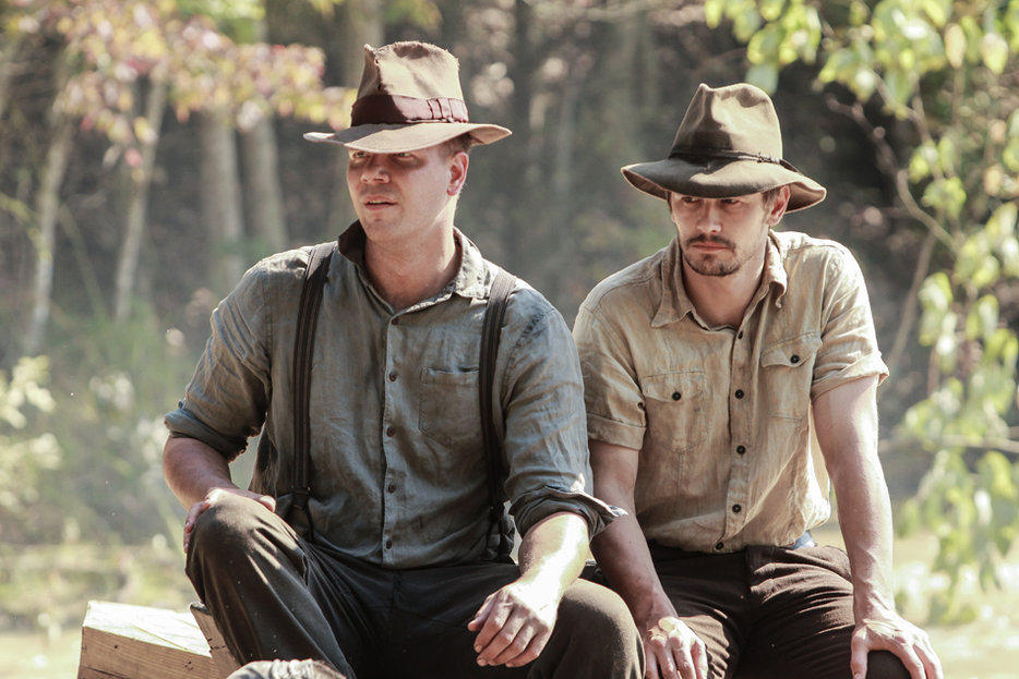 || Jim Parrack and James Franco in As I Lay Dying