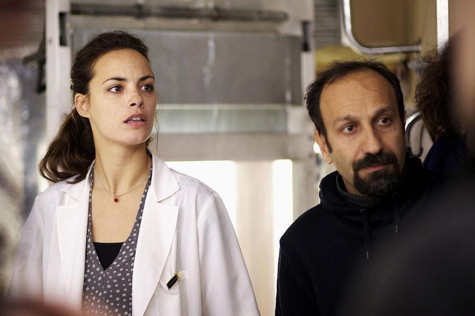 ||Asghar Farhadi and Berenice Bejo on the set of The Past