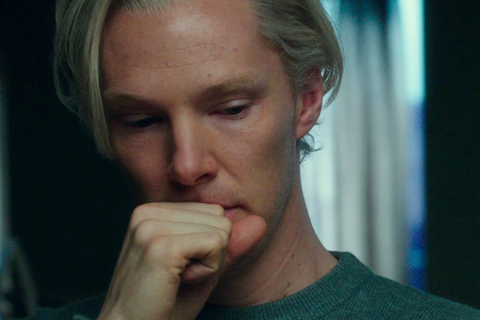 In Defense of The Fifth Estate's Dumbest Scene
