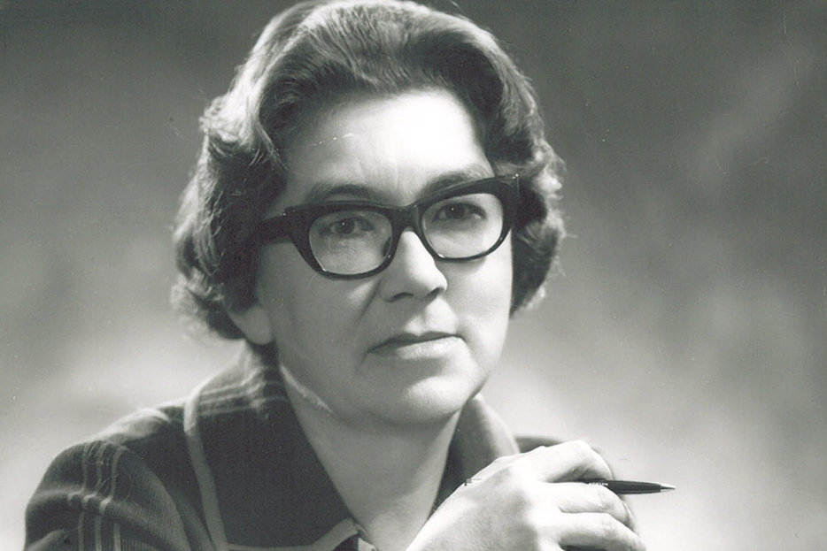 margaret laurence essay Margaret laurence essays about education custom writing help reviews #productive #pirate launches today follow it for blog posts and essays on progressive culture, media, tech & more.