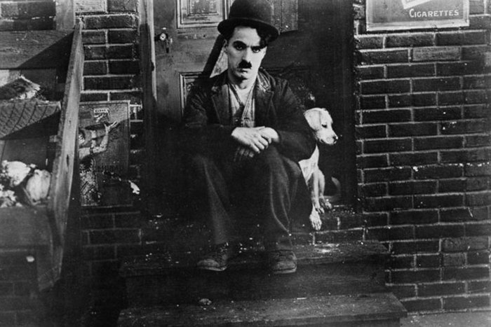 || Charlie Chaplin in 1918's A Dog's Life
