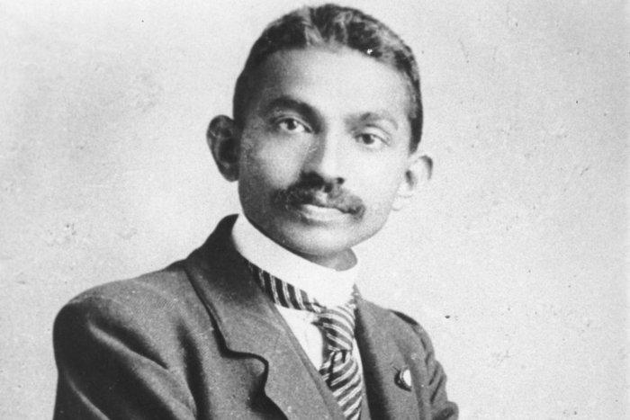 || Mohandas Gandhi in 1906